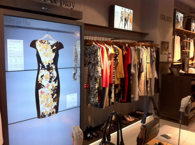 Bloomingdale S Clothing To Go Window